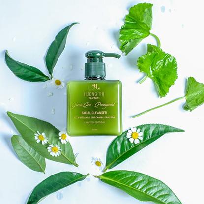 Sữa rửa mặt trà xanh - rau má Facial Cleanser Green Tea Pennywarf 250ml